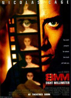 8MM ▻ La vertigineuse descente aux enfers d'un détective dans l'univers épouvantable des snuff movies... Un film terrible, efficace, qui traite de l'ultra-violence avec une distance exemplaire. Nicolas Cage, comme souvent, est hanté par le personnage. Peut-être le meilleur film de Joel Schumacher.