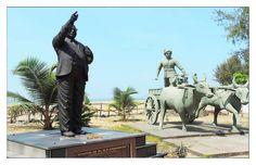 केरळ मधे बाबासाहेब सोबत बैलगाड़ी चलवणाऱ्या व्यक्ती चे स्मारक दिसतो Bullock Cart, Connect To Facebook, Kerala, Statue Of Liberty, Travel, Statue Of Liberty Facts, Trips, Viajes, Traveling