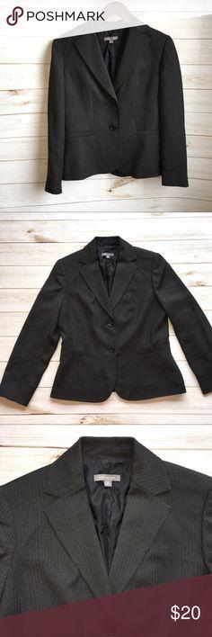 Ann Taylor Size 10 blazer Ann Taylor Size 10 blazer No flaws smoke free home 🏡🛍 Ann Taylor Jackets & Coats Blazers