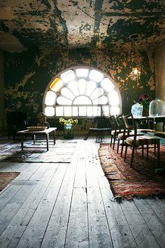 Attic Rose window - Mark Seelen