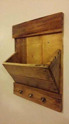 The Best DIY Wood and Pallet Ideas: DIY Pallet Mail Organizer