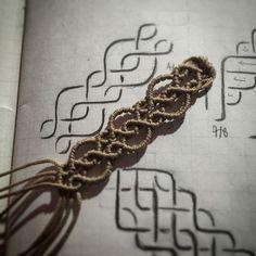 #macrame #patten #매듭을그리다 Macrame Colar, Macrame Earrings, Macrame Knots, Yarn Bracelets, Bracelet Knots, Rope Jewelry, Macrame Jewelry, Jewlery, Friendship Bracelet Patterns