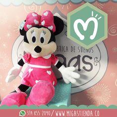 De nuevo #minnie acompañando nuestra nueva colección de peluches hermosos, esta ratona que nunca pasa de moda ven a #Migas y enamórate de ella #FábricadeSueños #Love