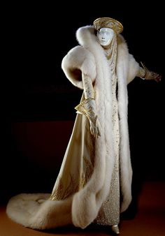 .Dowager Empress -  Reflection of the power of the great Khans..  Grandmother of Winter Queens!