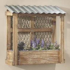 Chicken Wire Shelf Wall Accents – Chicken coop-inspired hanging wall shelf mixes farmhouse and rustic elements for a unique storage solution. Come Home to Comfortable Living Through the Country Door! Garden Crafts, Garden Projects, Garden Art, Wood Projects, Chicken Wire Crafts, Chicken Wire Art, Metal Chicken, Wire Shelving, Planter Boxes