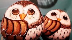 How To Paint Owl Rocks | DIY Joy Projects and Crafts Ideas Cute Owl Drawing, Owl Rocks, Owl Quilts, Felt Owls, Art Deco Posters, Mexican Folk Art, Whimsical Art, Painted Rocks, Diys