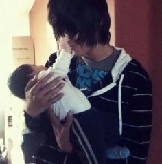 Whomever said that emo kids are 'evil creatures' are clearly wrong!!! Aww omg cute ^.^