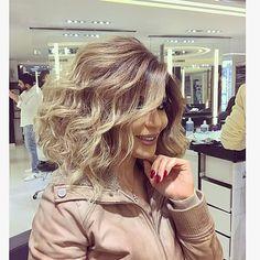 Beautiful @vivianemrad Hair color by @mouniiiir #haircolor #hairvideo #mouniiiir #hairextensions #hairvideos #hudabeauty #hair #hairvideo #hair #hairdo #love #like #hairstyle #egypt #qatar #kwt #uae #paris #london #morocco #usa #followforfollow #like4like #instamood #instagram @hairvideo.mounir
