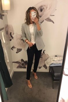 Fitting Room Snapshots - Gray blazer + dark wash jeans Source by jasminegiese professional outfits Casual Work Outfits, Mode Outfits, Work Casual, Comfy Work Outfit, Summer Business Casual Outfits, Summer Office Outfits, Casual Office Attire, Classic Work Outfits, Stylish Outfits