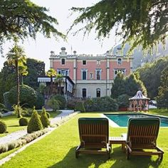 Perfectly positioned for a day in the sun at the Grand Hotel a Villa Feltrinelli in Lake Garda, Italy. Photo: Lucas Allen #LakeGarda #Italy #hotels