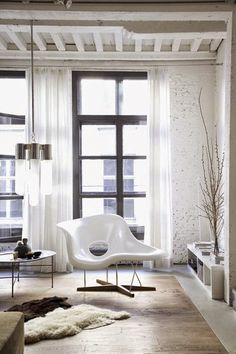 Order your Eames La Chaise replica from Manhattan Home Design. An original design by Charles and Ray Eames. Home Interior, Interior Architecture, Interior Decorating, Decorating Ideas, Interior Ideas, Loft Spaces, Living Spaces, Living Room, Style At Home