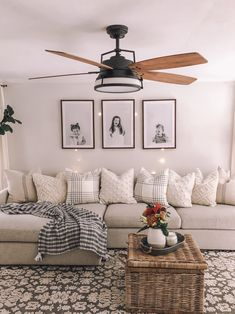 29 comfy living room decoration ideas with farmhous&; 29 comfy living room decoration ideas with farmhous&; Home Living Room, Apartment Living, Living Room Designs, Living Spaces, Living Room Decor Ideas Apartment, Living Room With Mirror, Living Room Decor Simple, How To Decorate Living Room Walls, Living Room Couches