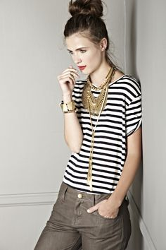 Heavy jewelry over a simple stripes tee. NO jeans ;-) // Solesociety