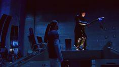 Joss Whedon and Tom Hiddleston... Rehearsing a shot *gif*