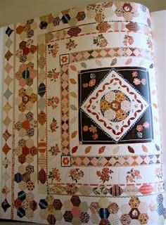 Lurline's Place!: About the Book - Australian Quilts!!  -  1830's Elizabeth hardy's Frame Quilt with broderie