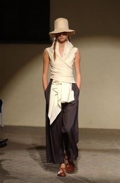 Daniela Gregis  Now it would seem that Daniela had me in mind with lovely comfortable,  classy look!  :)))    <3