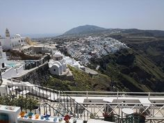 Live Dream Create - D Santorini, the one place that is on everyone's bucket list! Read here about what to expect when you visit Santorini and then start planning your trip! #truthaboutsantorini #santoriniexpectations #santorini #santoriniisland