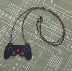 GIRL GAMER Playstation Video Game Controller Necklace by PlayBox, £9.00
