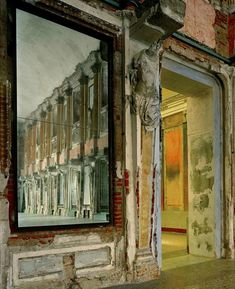 Michael Eastman, Palazzo Reale Reflections, Milan #2, 2008 ©Michael Eastman/Courtesy of Edwynn Houk Gallery, New York