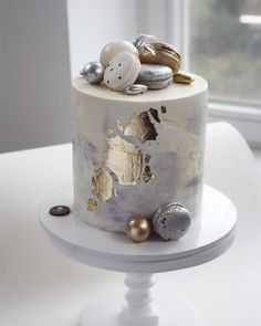 17 Birthday Cake, Elegant Birthday Cakes, Funny Birthday Cakes, Elegant Cakes, Beautiful Cake Designs, Cool Cake Designs, Beautiful Cakes, Amazing Cakes, Cake Decorating Designs