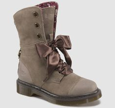 MUST BUY THESE!!!   ♥    AIMILIE | Womens Originals | Womens | The Official Dr Martens Store - US