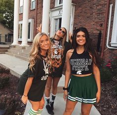 Chi Omega at Michigan State University College Games, College Game Days, College Fun, College Outfits, College Life, Bff Goals, Best Friend Goals, Besties, Tailgate Outfit