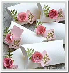 Nehéz elképzelni, hogy ennek a csinos dobozkának az alapja egy WC-papír guriga, pedig de! XD