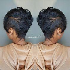 Look Mohawk mignon - short hair - Cheveux Short Sassy Hair, Short Hair Cuts, Short Hair Styles, Natural Hair Styles, Pixie Cuts, Short Relaxed Hair, Love Hair, Great Hair, Gorgeous Hair