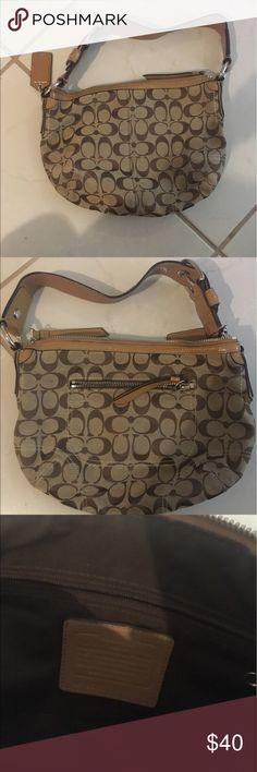 Coach purse. Gently used coach purse. Coach Bags Hobos