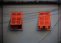 janelas semi abertas   ph © Elza Cohen