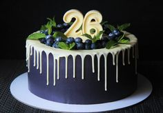 Торт и капкейки на 26-летие