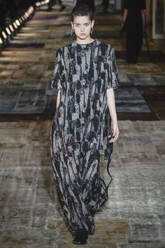 Damir Doma Fall 2016 Ready-to-Wear Fashion Show