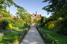 Belmond Le Manoir aux Quat'Saisons, Oxfordshire, UK. At this grandest, oldest of houses in a small, secluded Oxfordshire village, the extensive walled garden is put to work providing vegetables and herbs to be served up in the Michelin-starred restaurant. #LuxDeco #Hotels #Garden