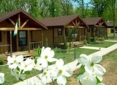 Southern Oaks Resort & Spa at Grand Lake O' the Cherokees offers a peaceful getaway where guests can enjoy a cabin getaway as well as spa services.