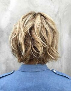 Ladies' Beloved Short Bob Styles with Choppy Layers 15 Kurzer abgehackter Bob Short Bob Styles, Medium Hair Styles, Curly Hair Styles, Best Short Haircuts, Short Hairstyles For Women, Hairstyles 2018, Easy Hairstyles, Wedding Hairstyles, Latest Hairstyles
