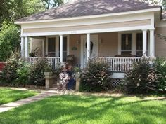 Steel Magnolias - Truvy's house @ Henry Blvd & East 5th street in Natchitoches, LA