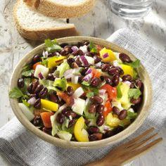 Salade met kidneybonen, paprika & witte kaas