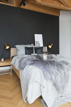 Amazing Black and White Bedroom Decor Renovation - Best Home Ideas and Inspiration White Room Decor, Living Room White, Black Decor, Black White Bedrooms, White Rooms, Bedroom Colors, Bedroom Decor, Black Bedroom Design, White Apartment