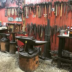 Brave revitalized metal working projects discover this Blacksmith Workshop, Blacksmith Forge, Metal Workshop, Blacksmith Projects, Metal Projects, Welding Projects, Metal Crafts, Craft Projects, Metal Working Tools