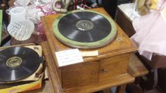 FEB CONTEST: VINTAGE VICTOROLA RECORD PLAYER, DEALER 100, TEXAS AVE AND BOOTH 133 AT THE BRAA ARMADILLO IN GRAIN VALLEY, MO. SHIPPING IS AVAILABLE FOR AN ADDITIONAL FEE.