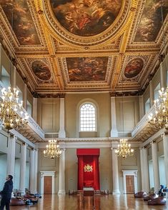 Banqueting Hall, the last remainder of Whitehall Palace, is a hidden royal gem in London!