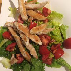 Das mit den -30 kg wird wohl nichts mehr  ich wog heute wieder 2 kg mehr... Kann ich mir zwar nicht erklären aber so ist es  Trotzdem noch bis Freitag clean essen und hart trainieren und dann am Samstag auf der #ilptparty richtig feiern  #salat#abendessen#dinner#healthy#ernährung #gettingfit#abnehmen#bewhoyouwanttobe#transformyourbody#fitnesslifestyle#lowcarb#sizezeroarmy#ilovepersonaltrainingarmy by k_isgettingfit