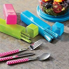 This would be great for the office! Or for traveling with the family.   Eco Friendly Lunch Containers & Sandwich Containers | PBteen