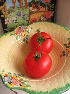 so funny I found this pin, I always have 2 tomatoes on the counter