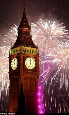 London _ fireworks over Ben Ben | by Oli Scarff London Fireworks, New Year Fireworks, London Eye, Stonehenge, Big Ben, Brighton, Fireworks Photography, Tens Place, Fire Works