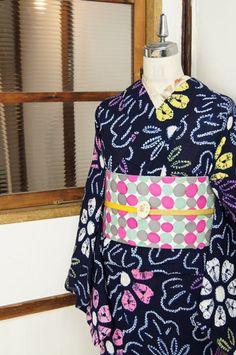クリームパステルカラーのお花模様がモダンな有松鳴海本絞り浴衣 - アンティーク着物