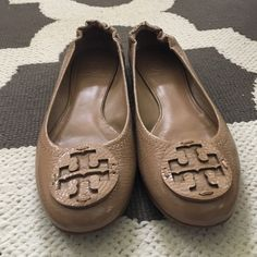 Lacquered tan TORY BURCH sandals LIGHT USE SZ 6.5 Shiny/lacquered Tory burch sandals practically new worn only couple of times great condition! TAKING OFFERS Tory Burch Shoes Flats & Loafers