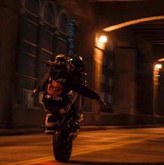 Bad Boy Aesthetic, Badass Aesthetic, Black Motorcycle Helmet, Dark Photography, Biker Girl, Bike Life, Couple Pictures, Motorbikes, Night Life