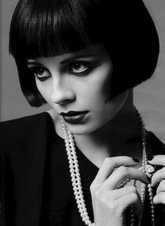 1920s flapper hair + beads