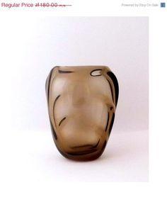 Skrdlovice Emanuel Beranek 5459 -- topaz side-lobed vase -- Czech art glass